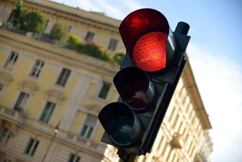 Штраф за проезд на красный сигнал светофора в настоящее время